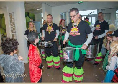 12 Scholenbezoek carnaval 2016 Brandeleros (10)