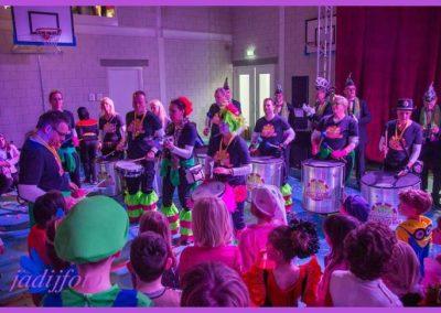 12 Scholenbezoek carnaval 2016 Brandeleros (6)